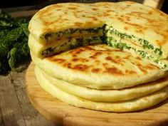 Khachapuri: a few tasty recipes Georgian Cuisine, Georgian Food, Wine Recipes, Cooking Recipes, Good Food, Yummy Food, Tasty, Snacks Für Party, Russian Recipes