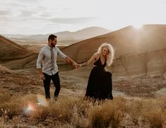 Magical sunset engagement shoot at Painted Hills Overlook in Oregon // Sydnee Marie Photo // Engagement Photo Outfits, Engagement Photo Inspiration, Engagement Couple, Engagement Pictures, Engagement Shoots, Western Engagement Photos, Country Engagement, Fall Engagement, Photo Couple