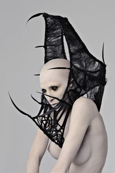 hair sculpture by Wilfrid Karloff Inspiration Mode, Character Inspiration, Dark Fashion, Fashion Art, Macabre Fashion, Spider Queen, The Wicked The Divine, Body Adornment, Foto Art