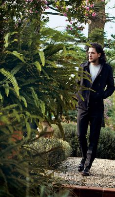 Kit Harington - The Eighth wonder. — Kit Harington - Vogue America by Peter Lindbergh😍😍🤤🤤 Kit Harington, Vogue America, Hbo Tv Series, John Snow, King In The North, Fantasy Male, Peter Lindbergh, Pretty Men, Dark Horse