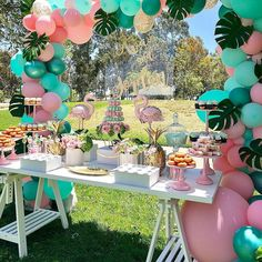 Flamingo Birthday Party by Bizzie Bee Creations tropical party ideas Flamingo Baby Shower, Flamingo Birthday, Birthday Balloons, Hawaiian Birthday, Hawaiian Parties, Pink Flamingo Party, Flamingo Photo, 13th Birthday Parties, 14th Birthday