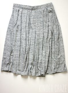 Simple yet cute skirt. I would really like something similar to this- great to dress up or down.