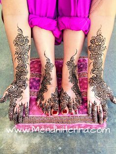 Mendhi. Love the color of her salwar