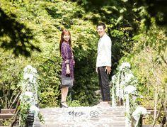 Doctors: Kim Rae Won and Park Shin Hye behind the scence PD note Doctors Korean Drama, Kim Rae Won, Drama 2016, Hallyu Star, Park Shin Hye, Korean Fashion, Kdrama, Parks, Couple Photos
