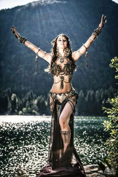 25 super ideas for dancing outfits tribal fusion Tribal Fusion, Belly Dance Outfit, Belly Dance Costumes, Tribal Belly Dance, Belly Dancers, Dance Photography, Photography Ideas, Dance Outfits, Dancing Outfit