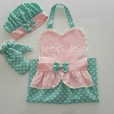 Childrens Aprons, Apron Designs, Kids Wear, Sewing Projects, Baby, Kids Apron, Aprons, Beanies, Craft Ideas