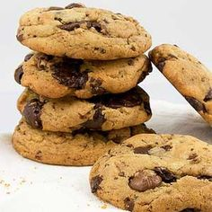 Gluten-Free Chocolate Chip Cookies Recipe in a Blendtec or Vitamix blender Secret Chocolate Chip Cookie Recipe, Gluten Free Chocolate Chip Cookies, Pumpkin Chocolate Chips, Protein Cake, Protein Cookies, Baking Recipes, Dessert Recipes, Desserts, Yummy Treats