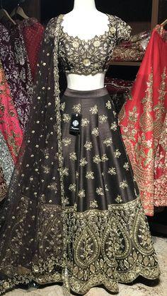 Brown raw silk Lehenga with heavy gold zardosi and crystal Embroidery! Paired with a beautiful Scalloped neckline blouse and net dupatta! Size 38 Ready to Ship! Choli Dress, Ghagra Choli, Saree Blouse, Red Saree, Anarkali Dress, Raw Silk Lehenga, Indian Lehenga, Banarasi Lehenga, Pakistani