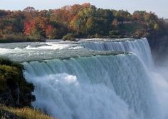 Check out our new blog about the Falls Season in Niagara Falls;  http://www.bgniagaratours.com/blog/niagarafallstours/autumn-in-niagara-falls/