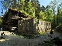 Dolský mlýn v Českém Švýcarsku Mount Rushmore, Mountains, Mansions, House Styles, Nature, Travel, Naturaleza, Viajes, Manor Houses
