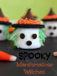 Spooky Marshmallow Witches - a fun marshmallow treat for your Halloween or fall party! A cute recipe idea that is great for Halloween food ideas.