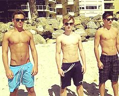 OHMYGOD. tom daley jack laugher chris mears hip thrust (gif) died. went to heaven. reincarnated.