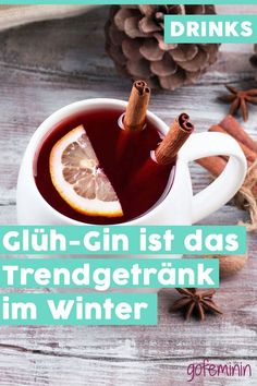 The trend drink in winter: We are now drinking glow gin - Easy Detox Cleanse Winter Drinks, Winter Food, Easy Detox Cleanse, Vegetable Drinks, Christmas Drinks, Healthy Eating Tips, Healthy Nutrition, Gin And Tonic, Detox Drinks