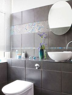 Smart and contemporary cloakroom