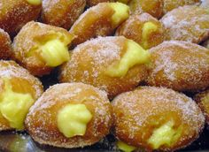 Italian food - Bomboloni. I want to try making these!