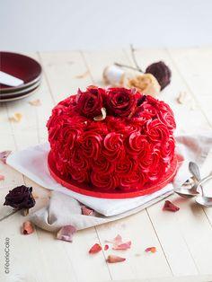 Valentine Desserts, Valentines Food, Homemade Valentines, Rose Saint Valentin, Aniversary Cakes, Happy Anniversary Cakes, Easy Cake Decorating, Valentines Design, Rose Cake