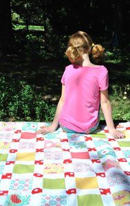 Riley Blake Designs -- Cutting Corners: Apple Blossoms (disappearing 9 patch)