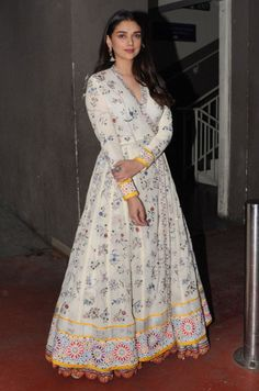 Aditi Rao Hydari wearing our Hand Embroidered Phoolbel Overlap 16 Kali Kurta and Hand embroidered Phool bel Circular Lehenga from ICW 2017 collection Parizaad by Rahul Mishra. Indian Attire, Indian Outfits, Casual Dresses, Fashion Dresses, Maxi Dresses, Cotton Gowns, Indian Designer Suits, Indian Gowns Dresses, Indian Look