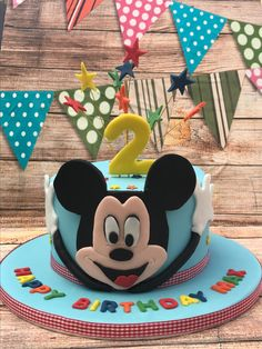 Mickey Mouse Birthday Cake, Mickey Mouse Cupcakes, Vintage Cupcake, Vintage Mickey Mouse, Birthdays, Desserts, Food, Tailgate Desserts, Birthday