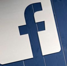 #3businessnews: Facebook diventa radio,lancia i Live Audio,le dirette streaming di solo audio attraverso la piattaforma. http://www.ansa.it/sito/notizie/tecnologia/internet_social/2016/12/21/facebook-lancia-i-live-audio_55032c0e-7cc6-4091-b387-46944d5798a4.html