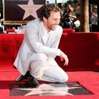 Matthew McConaughey devela su estrella en el Paseo de la Fama