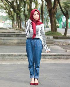 Ideas photography fashion urban dresses for 2019 Photography Poses Women, Fashion Photography, Photography Ideas, Urban Fashion, Trendy Fashion, Womens Fashion, Casual Hijab Outfit, Urban Dresses, Abaya Fashion