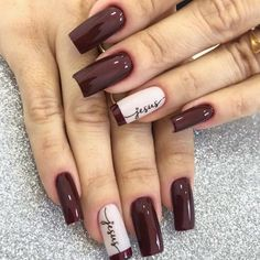 30 Most Popular Nail Art Design 2019 Nail art design is a critical portion of a manicure regimen. You don't have to sulk if you've got short nails ladies! Water marbling nails art ideas isn't a struggle, although it can be a bit messy. Classy Nails, Stylish Nails, Simple Nails, Trendy Nails, French Manicure Nails, Diy Nails, Cute Nails, Manicure Diy, Manicure Ideas