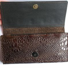 Materials: genuine leather Dimensions: 9h19 cm/3,54 *7,48 #skinaff #Womenswallets #handmade