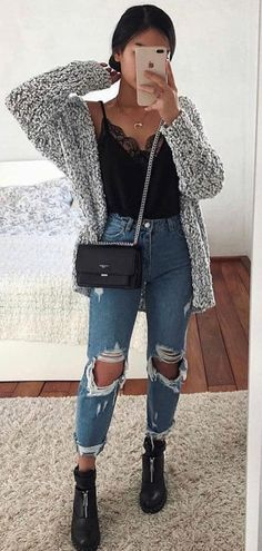 63 simple spring outfits style with jeans 10 Winter Fashion Outfits, Fall Winter Outfits, Look Fashion, Summer Outfits, Autumn Fashion, Fall School Outfits, Rainy Day Outfit For School, Teen Fashion Winter, Ootd Winter