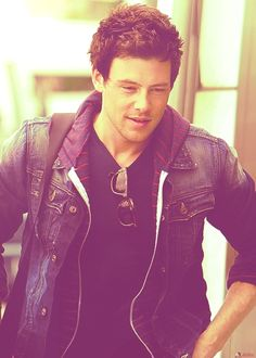 Rip, cory monteith :( glee will never be the same again, no finchelle, no marriage, no Finn :( U must of been needed up there! Prayers go out to his family, friends and fans on this sad day. May 11th 1982-July 13th 2013