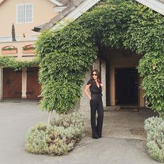 Ah, ha, ha, ha stayin' alive  Song stuck in my head. You too? Sorry! Dinner date in this fabulous jumpsuit / #DateNight #WineCountry