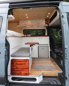 Van Conversion Interior, Camper Van Conversion Diy, Van Interior, Sprinter Conversion, Mercedes Sprinter Camper Conversion, Kombi Home, Bus Living, Van Home, Camper Life