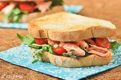 Sandwich de salmón con pesto de aguacate | L'Exquisit