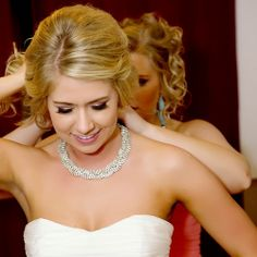 Bridal necklace for strapless dress