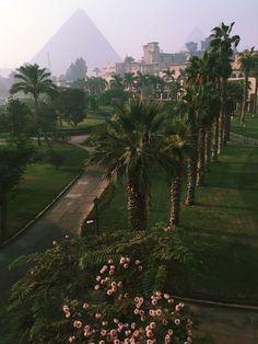 Cairo, Egypt - best hotel view is at what was Mena House Hotel and is now a Marr. - Cairo, Egypt – best hotel view is at what was Mena House Hotel and is now a Marriott. Places To Travel, Places To See, Top 10 Instagram, Beste Hotels, Egypt Travel, Das Hotel, Menorca, Travel Aesthetic, Aesthetic Dark