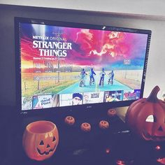 This makes me so very happy the #strangerthings countdown has started woohoo @netflixuk been waiting for this all year but for now I'll watch the new #mindhunter . . . . #halloween #netflix #pumpkin #lights #halloweendecor #homedecor #bedroom #bedroomideas #mylife #netflixandchill #weekendvibes #saturdayvibes #saturdaymorning #chillin #duvetday #homeinterior #homeinspo #inspo #tvdrama #netflixoriginal #psychotherapy #psychopath #murderers #serialkiller
