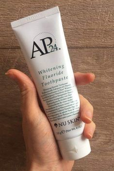 Pasta de dentes branqueadora. Remove manchas de café, chá, tabaco #nuskin #ap24 #blogger #dicas #whiteningfluoridetoothpaste Nu Skin, Whitening Fluoride Toothpaste, Pasta, Teeth, Tips, Coffee Staining, Pasta Recipes