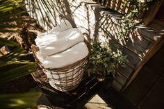 Boho wedding - Cap Ferret - French wedding style - La Paire de Cerise photographes - Jenny Morel Weddings wedding planner - plaids
