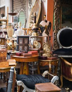 This gigantic market in Oronoco, Minnesota, has 1,200 booths jam-packed with all manner of priced-to-sell antiques.