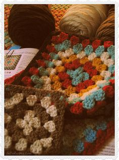 Meeting up again with my Meet Me in St. Louis inspired afghan!  #crochet #grannysquares