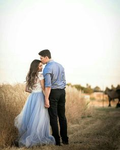 Wedding Photography Poses The Soft Wendy - Chilled Blue Length Engagement Photo Poses, Engagement Couple, Engagement Pictures, Engagement Photography, Wedding Pictures, Wedding Photography, Country Engagement, Fall Engagement, Engagement Wishes