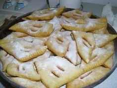 Découvrez notre recette de beignets de carnaval Biscuits, Apple Pie, Pains, Desserts, Food, Carnival, Pastries, Candy Bars, Sweet Recipes