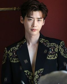 Lee Jong Suk lays on the charms even in the behind-the-scene cuts of his photoshoot with 'Esquire' Lee Jong Suk Cute, Lee Jung Suk, Lee Jong Suk Wallpaper, Up10tion Wooshin, Handsome Korean Actors, Choi Jin, W Two Worlds, Lee Young, Hyung Sik