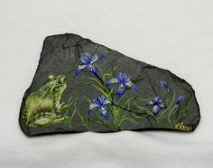 Wild Iris Slate Painting by Laura Wilson Painted River Rocks, Painted Stones, Stone Painting, Rock Painting, Frog Rock, Slate Art, Wild Iris, Pet Rocks, Stone Crafts