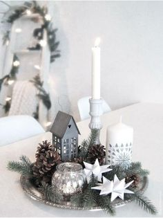 99 ideas for Scandinavian Christmas decorations - Simple Christmas decor on a silver tray. A nice way to group smaller decoration … - Christmas Tree Wreath, Noel Christmas, Simple Christmas, All Things Christmas, Homemade Christmas, Christmas Design, Christmas Countdown, Beautiful Christmas, Christmas Table Deco