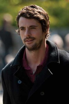 Matthew Goode you look absolutely fantastic with a beard.