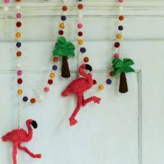 Flamingo Palm Tree Felt Garland // Animal Christmas Trend // Graham & Green  #animal #christmasanimal #festiveanimal #christmastree #christmasdecoration #treedecoration #christmas #festive #decoration #homedecor #kitsch #grahamandgreen