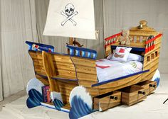 Captain Jake\'s Pirate Ship Bed...AHHH I found it! The final touch ...