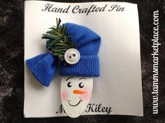 Snowman w/Fabric Hat Hand Painted Wooden Pin MKP082 – Tamm's Marketplace
