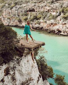 Wunderschöne Buchten auf Mallorca. Cala Pi Mallorca Traveltip. Was man auf mallorca umbedingt sehen muss Cala Pi Mallorca, Majorca, Strand, Beaches, Countries, Dark, Instagram, Water, Travel